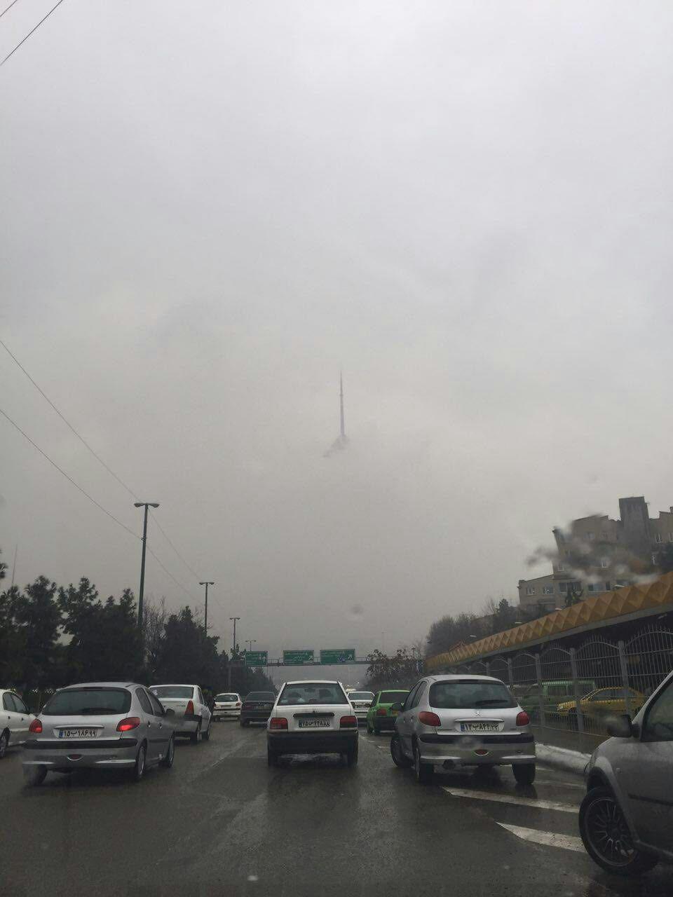 برج ميلاد در مه