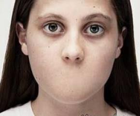 مادر بی رحم دخترش را به مرد شیطان صفت برای رابطه جنسی اجاره داد