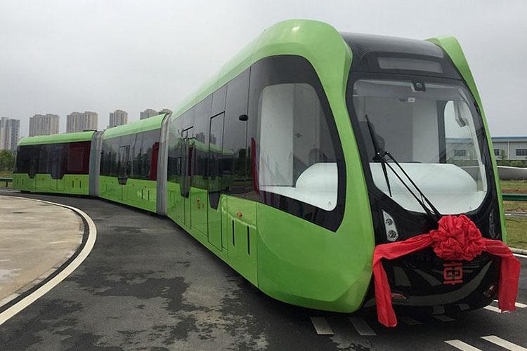 رونمایی از قطار بدون ریل، با فناوری خودران
