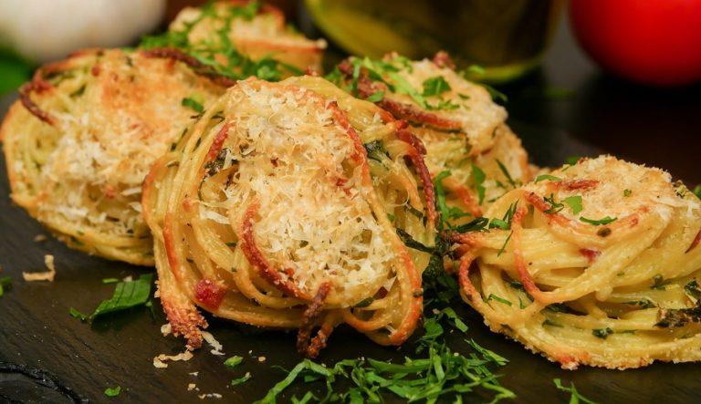 چیپس اسپاگتی با پنیر پارمسان